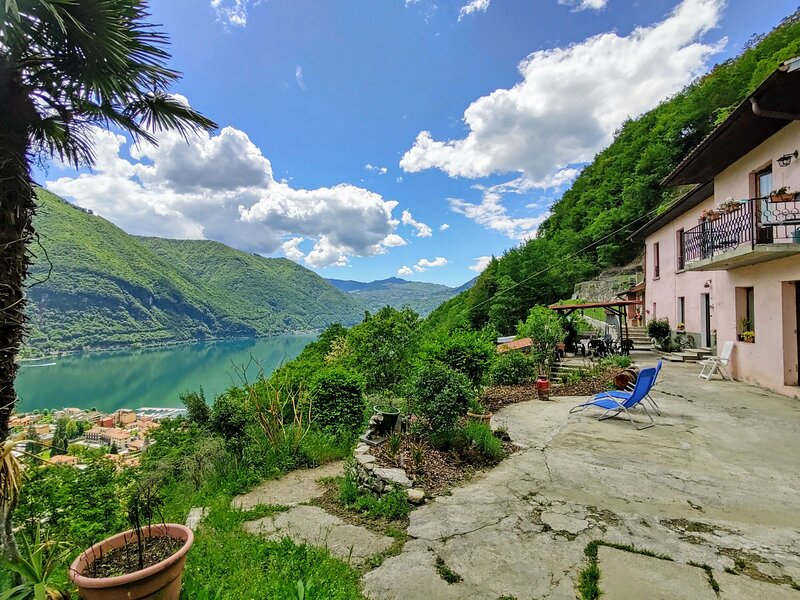Casa Pina, location de vacances à Cressogno