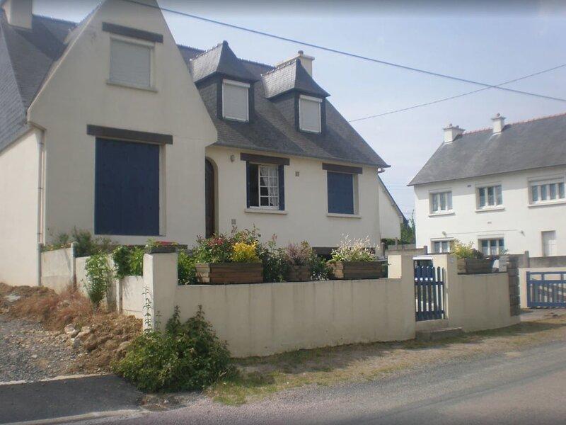 Big house with garden & terrace, location de vacances à Saint-Alban