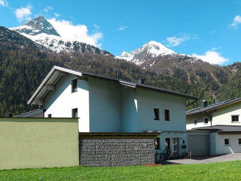 Laura (HBN170), holiday rental in Plangeross