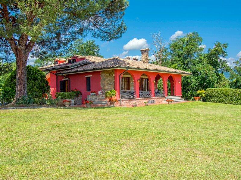 Villa Taioli (MCL110), vacation rental in Montecarlo