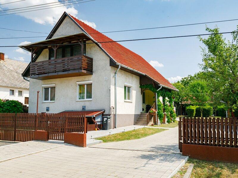 Balaton A360, holiday rental in Szantod