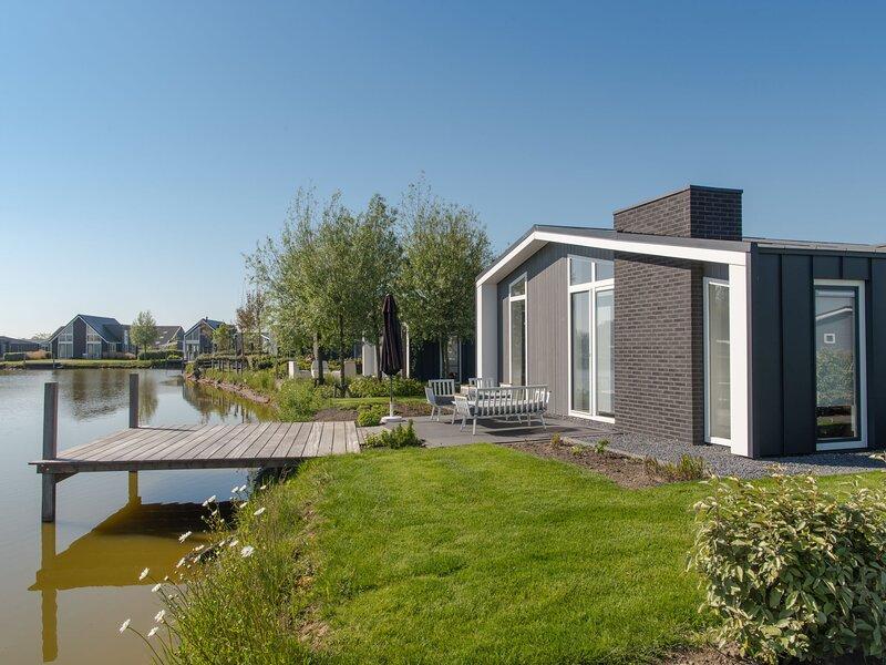 Water Resort Oosterschelde, holiday rental in Baarland