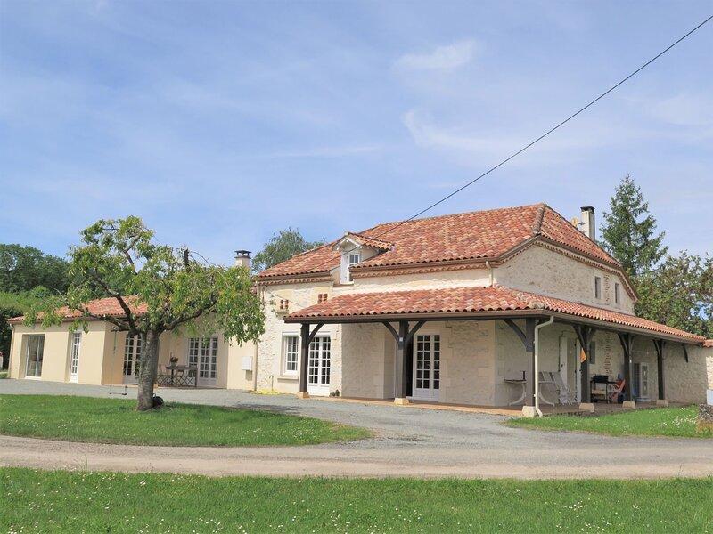 Grand Guiraud, location de vacances à Condezaygues
