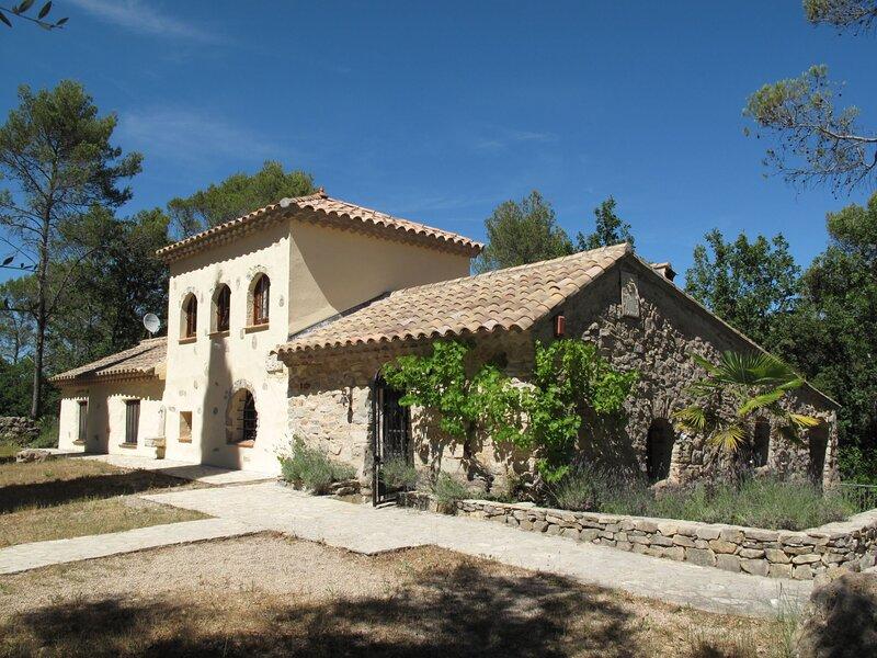 Carpanel (FLS150), location de vacances à Gonfaron