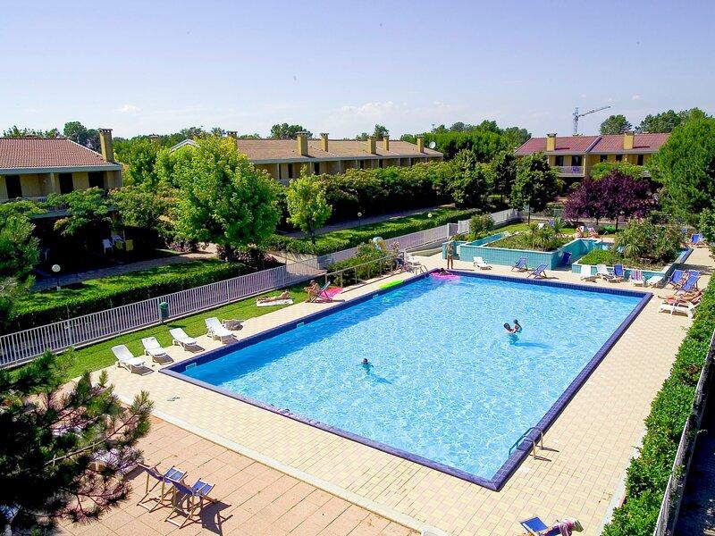 Villaggio dei Fiori (BIB705), holiday rental in Bevazzana