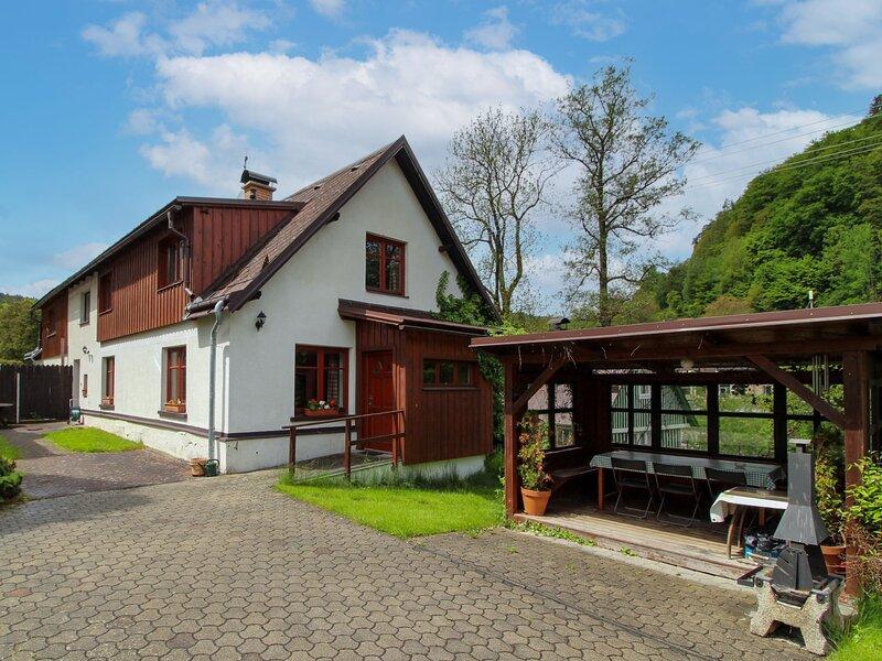 U splavu 6, holiday rental in Bozkov