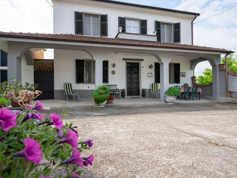 Casa della Peschiera (AST285), holiday rental in Costigliole d'Asti