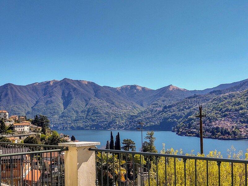 Terrace Lake View, casa vacanza a Carate Urio