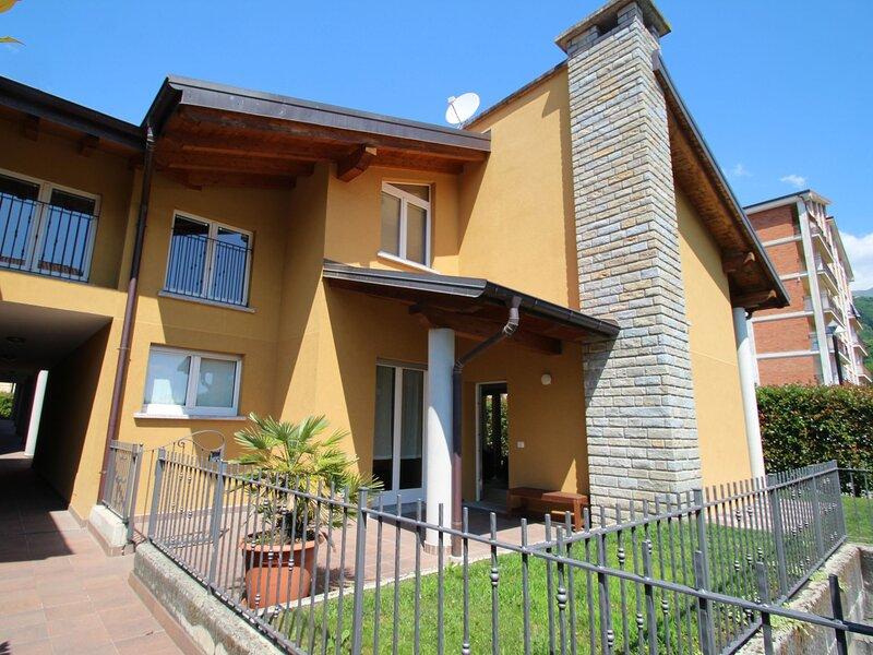 Gamma (DGO260), vacation rental in Olgiasca