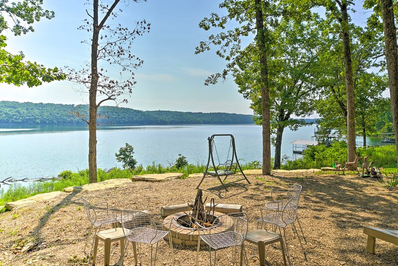 Cedarcreek Vacation Rental | 2BR | 1BA | 900 Sq Ft | Steps Required
