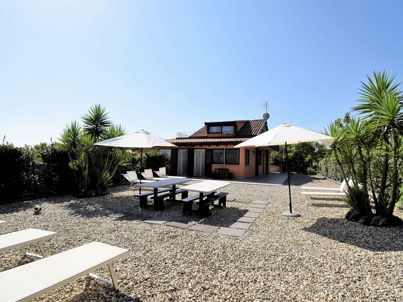 Arancio (ZAE100), vacation rental in Santa Venerina