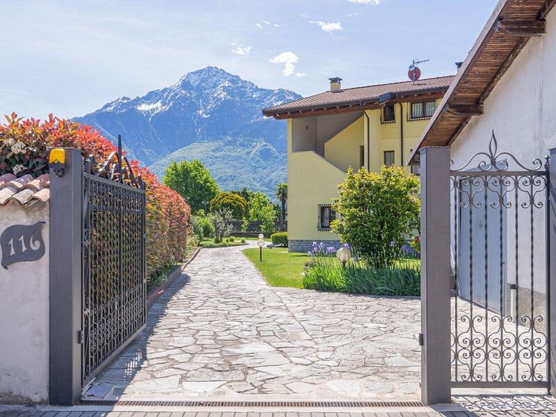 Giuse (DMA206), location de vacances à Domaso