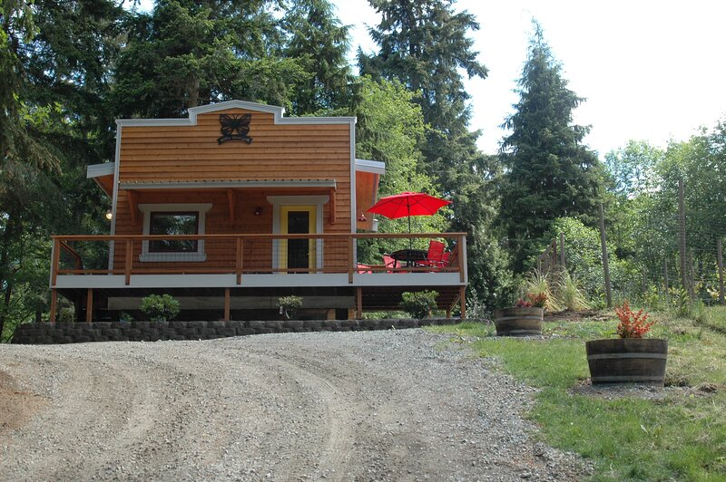 the ridge at langley, Villa Margot the 'butterfly cottage', holiday rental in Tulalip