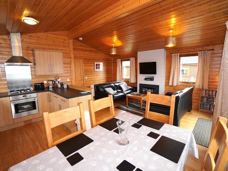 Loch Leven Lodge 11, casa vacanza a Dysart