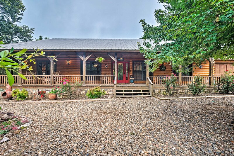 Broken Bow Vacation Rental | 4BR | 2.5BA | 2,328 Sq Ft | 1 Stair Required