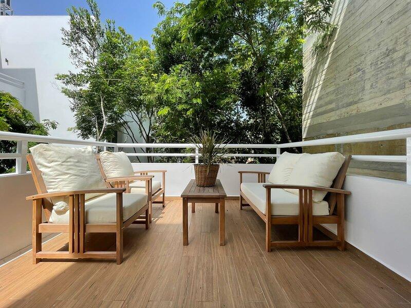 Exclusive Condo in Aldea Zama with pool and fitness facilities, wi-fi., alquiler de vacaciones en Tulum Beach