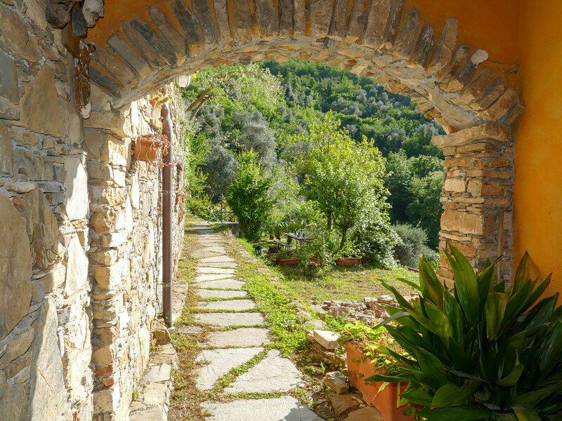 Olive House, location de vacances à Stellanello