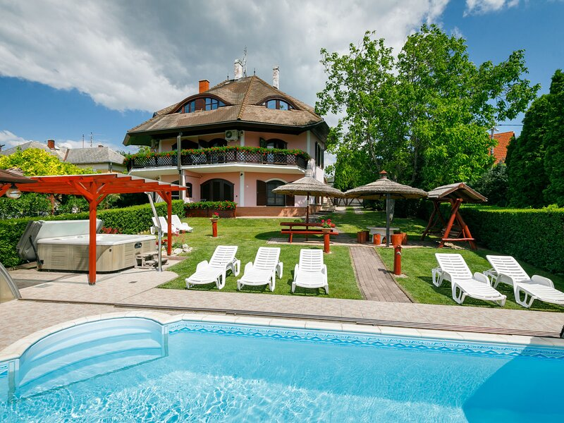 Balaton H055, holiday rental in Lovas