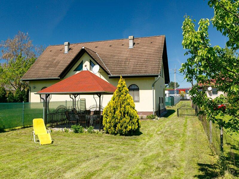 Csilla, vacation rental in Balatonfenyves
