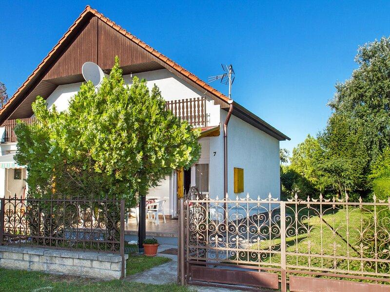 Balaton H462, vacation rental in Balatonfenyves