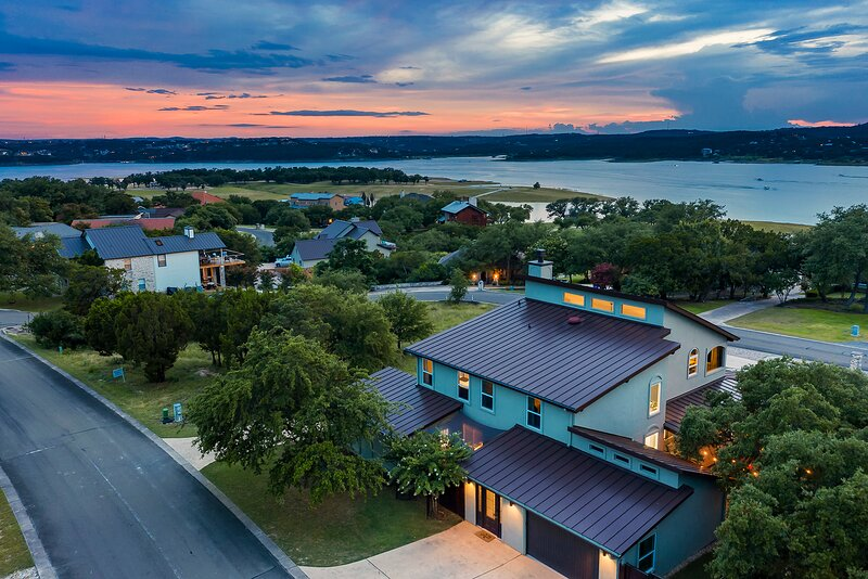 New Listing! Lakeview home on Lake Travis, holiday rental in Point Venture