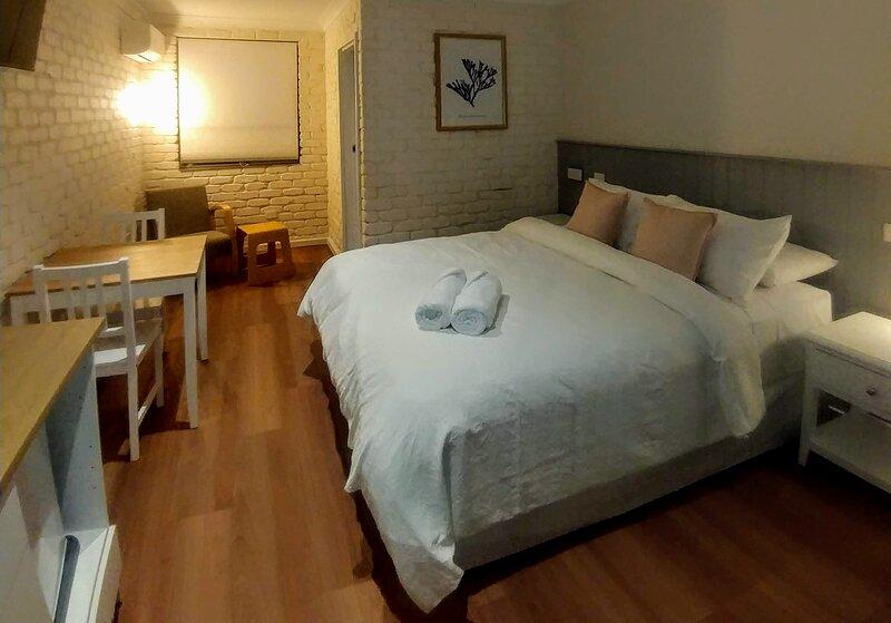 Bay House Motel Room 7, casa vacanza a Forresters Beach