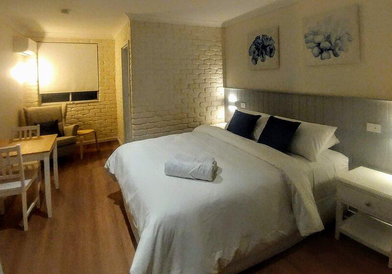 Bay House Motel Room 9, casa vacanza a Forresters Beach