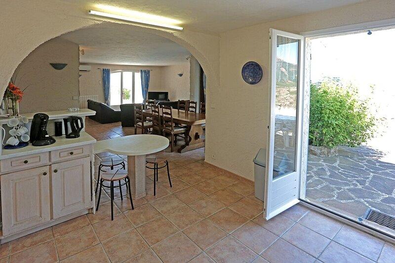 Beautiful 5 bedroom Villa with superb views, location de vacances à Anthéor