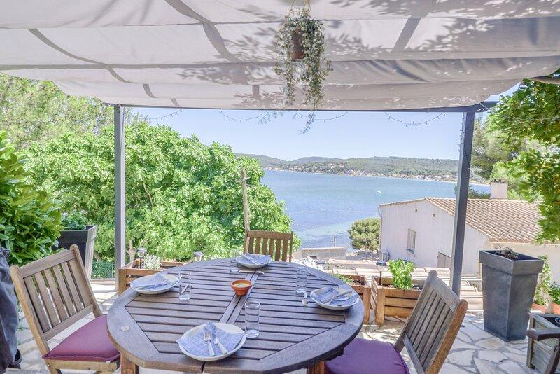 La Vaïné - Maison avec terrasse et jardin, casa vacanza a Port-Saint-Louis-du-Rhone