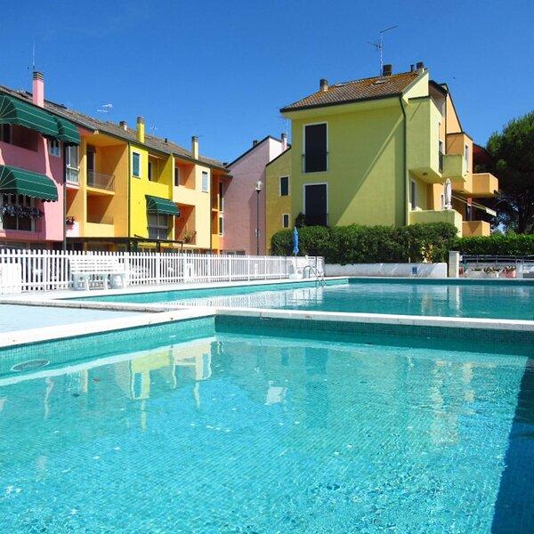 Villa With Garden In Residence With Swimming Pool, location de vacances à Porto Santa Margherita