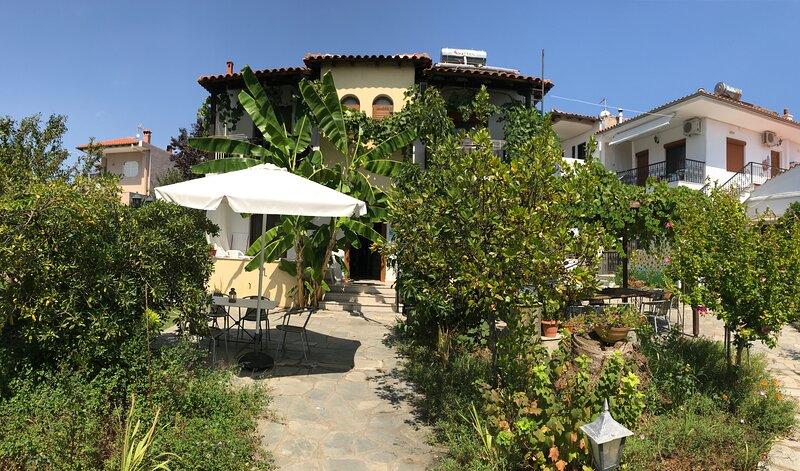 Villa Maro 1 Afytos, location de vacances à Afitos