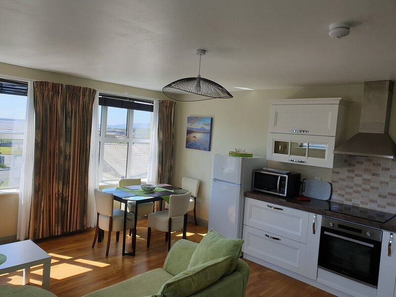 Dungloe Apartments Bay View on Main street. 1 bedroom, 3 beds, sleeps 4 max., vacation rental in Kincasslagh