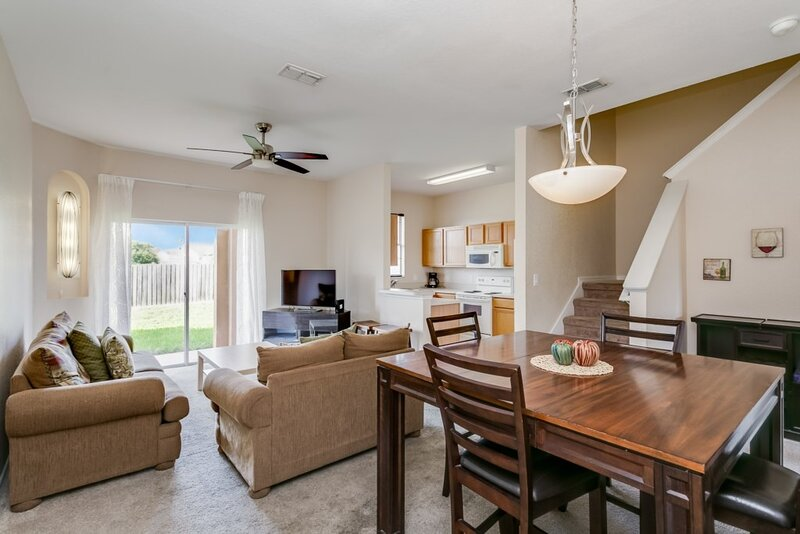 Chair,Furniture,Ceiling Fan,Room,Indoors