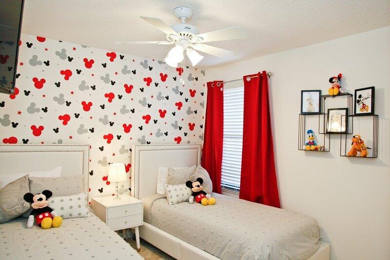 Ceiling Fan,Bedroom,Room,Indoors,Bed