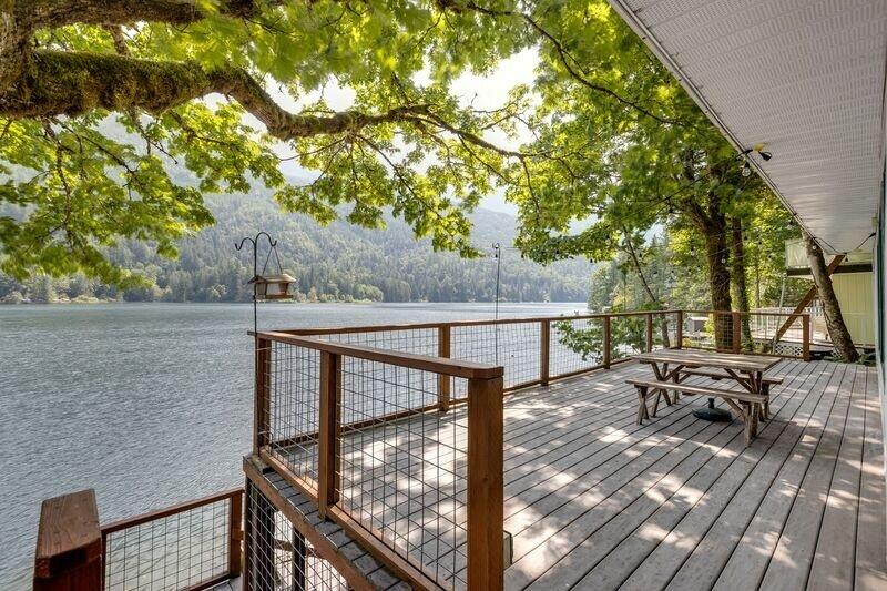 24MF - Lake Front - Pets OK - WiFi, location de vacances à Chilliwack