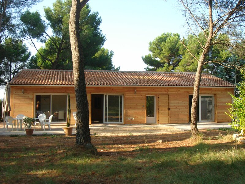 Nice house with swimming-pool, holiday rental in Puyricard