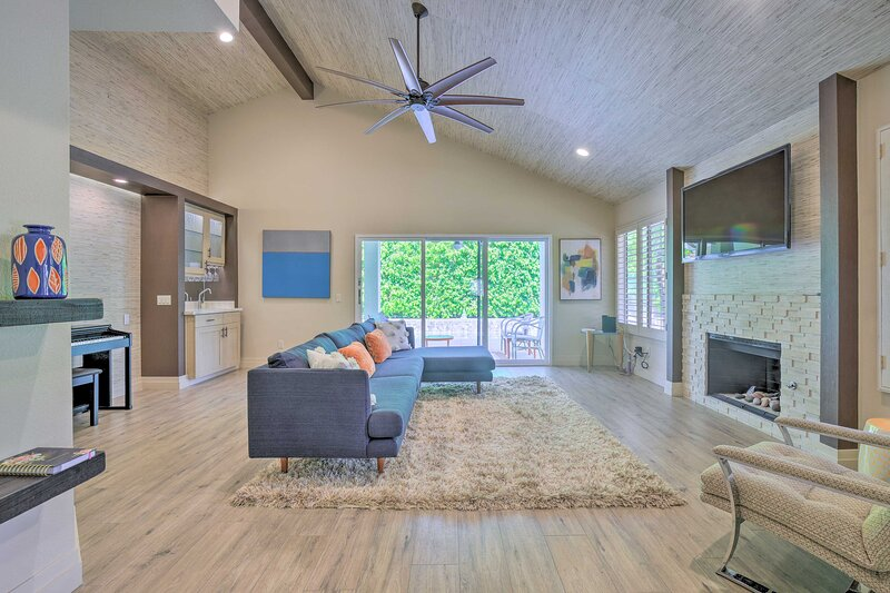 Living Room | Central Air Conditioning