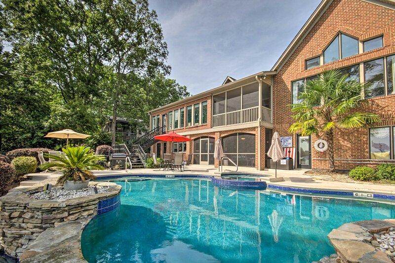 NEW! Luxe Lakefront Apartment: Shared Pool & Dock, holiday rental in Prosperity