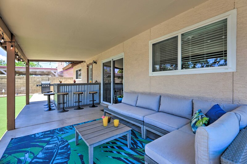 Covered Patio | Gas Grill