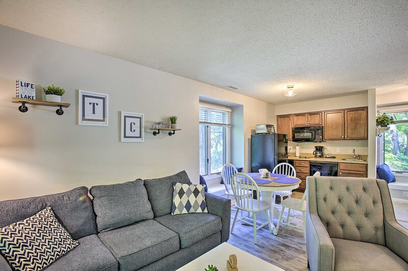 Williamsburg Vacation Rental | 1BR | 1BA | 538 Sq Ft | 2 Stories