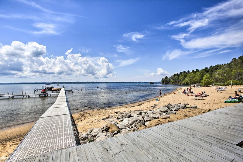East Arm of Grand Traverse Bay Access | Community Access On-Site