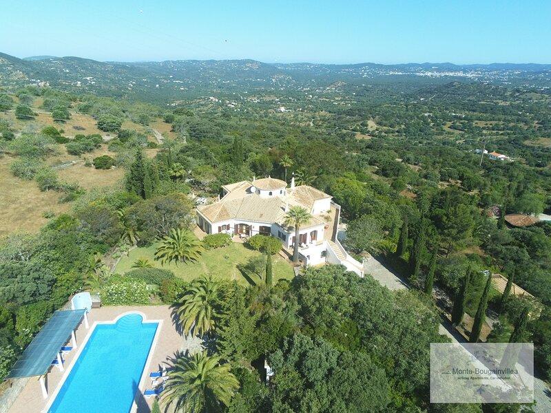 Monte-Bougainvillea ROSAS -  holiday apartment, car included!, aluguéis de temporada em Azinheiro
