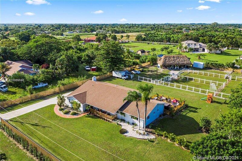 Stunning country house, Redlands!, alquiler de vacaciones en Homestead
