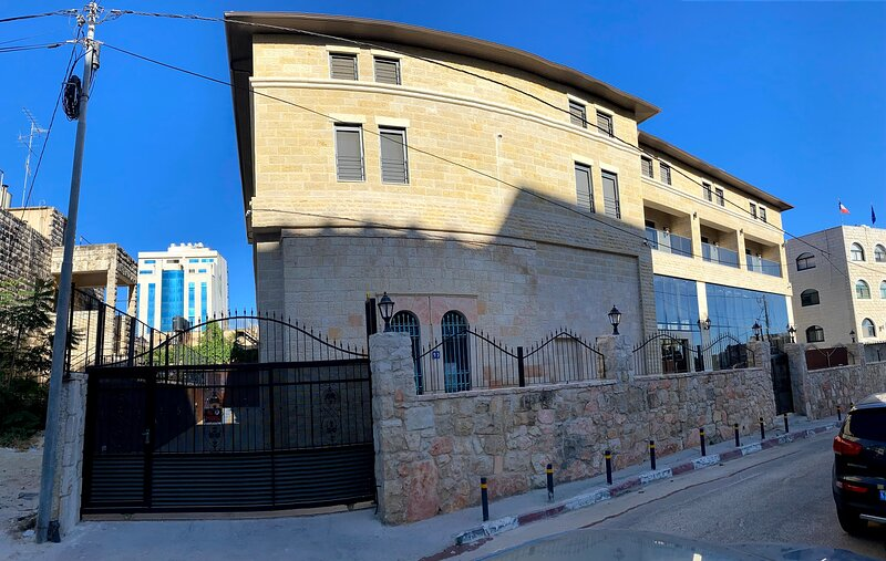 Mizirawi  Historic Estate / Room 208 With Balcony, holiday rental in West Bank