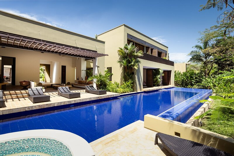 Anp010 - Stunning house in Mesa de Yeguas Country Club, location de vacances à Silvania