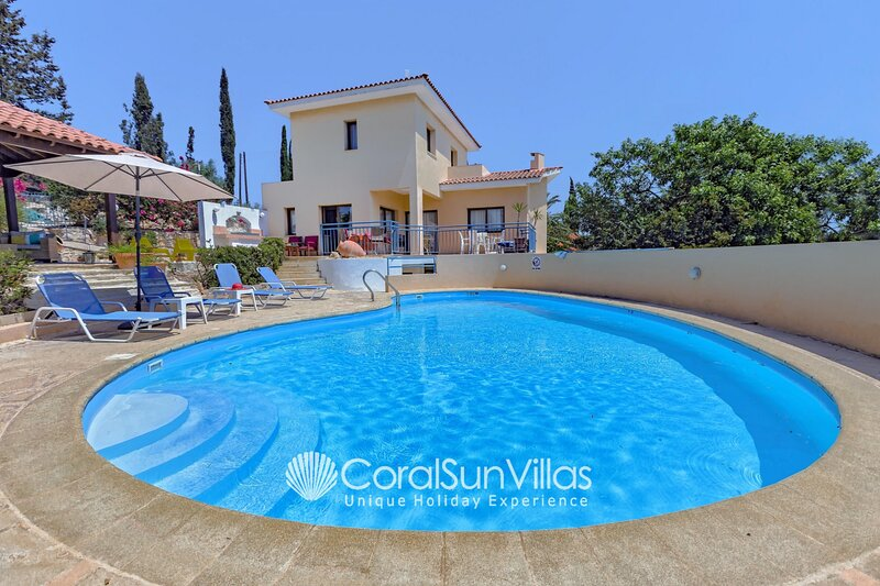 APOLLON 2 bedrm Beautiful villa in Prime Location of Coral Bay - Large Pool, holiday rental in Coral Bay