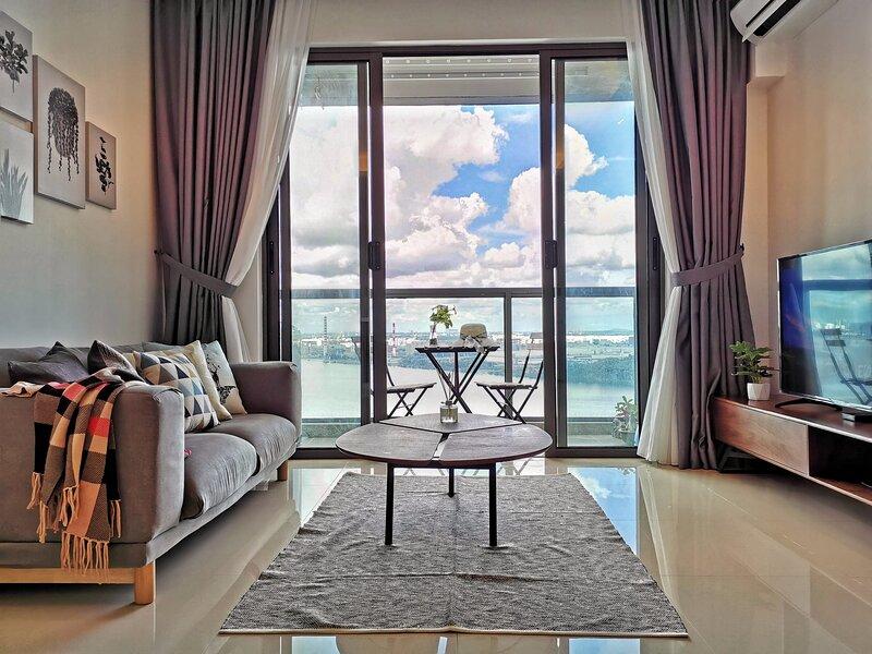 Sea View Romantic Johor 1Bedroom R&F PrincessCove, holiday rental in Johor Bahru