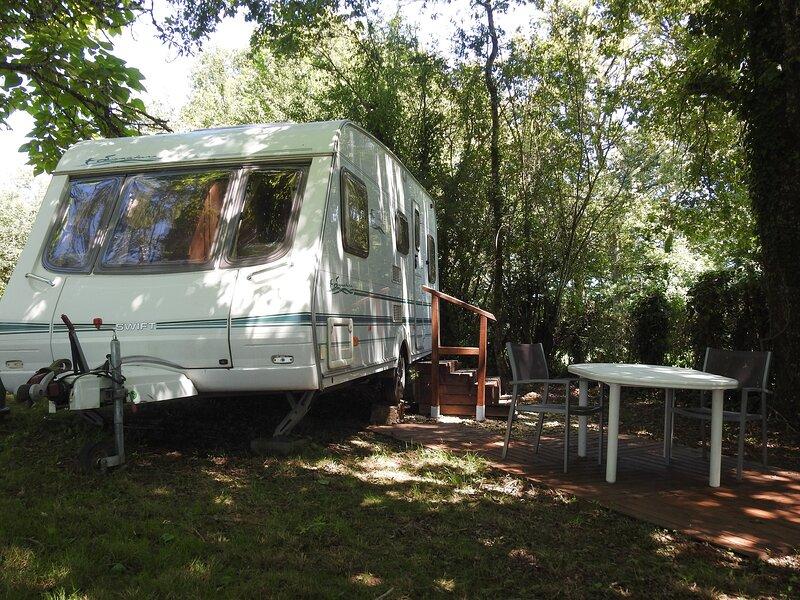 3 Berth Luxury Caravan with Chateau Views (RS), vacation rental in Sainte-Trie
