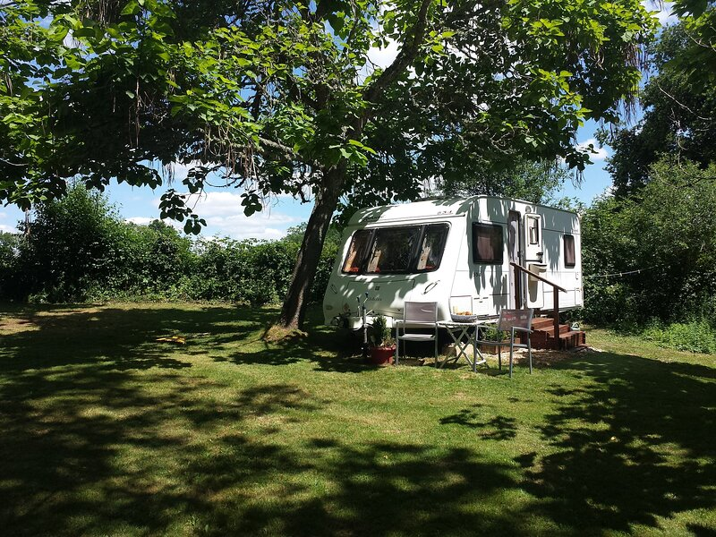 3 Berth Luxury Caravan with Chateau Views (RE), vacation rental in Sainte-Trie