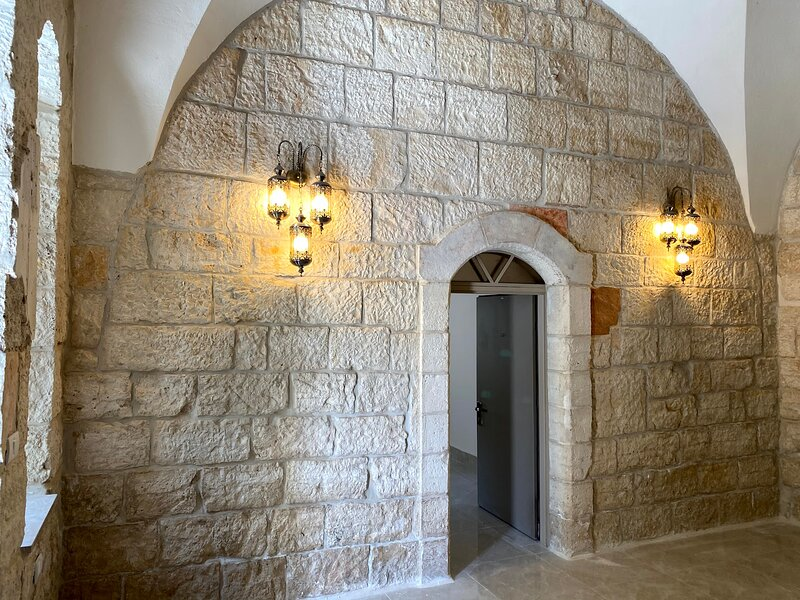 Mizirawi Historic Estate / Room 103, holiday rental in West Bank